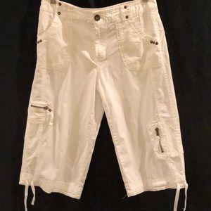 Style & Co white capris. Size 4.